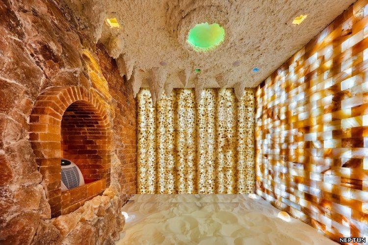 Соляная пещера из гималайской соли